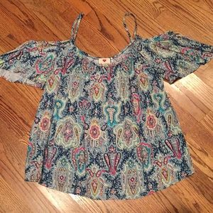 Bundle of 2 boutique cold shoulder style tops